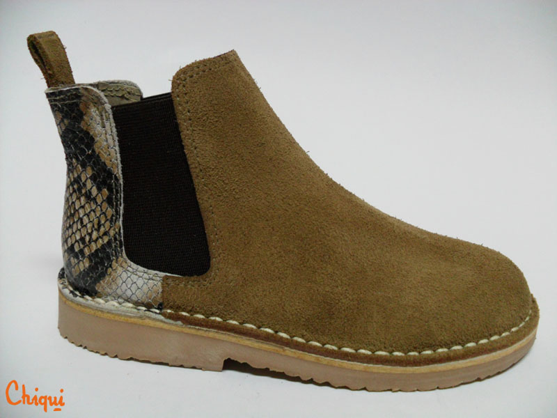 botin camel animal print
